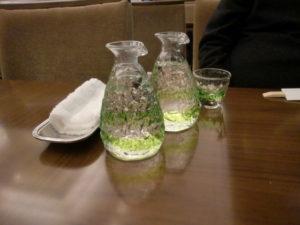 琉球ガラスに入った日本酒