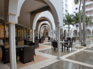 マハイナ中庭