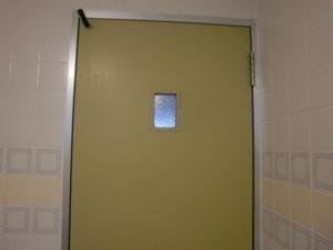 マハイナトイレのドア